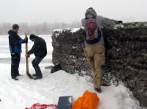 Катания в снегу и прогулки по тонкому льду